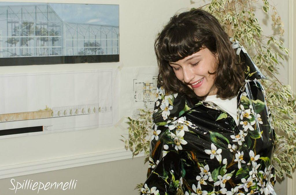 La moda secondo me: l'impermeabile donna D&G rivisitato